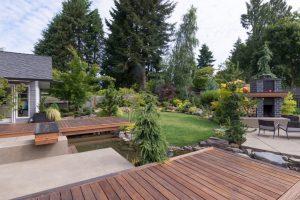 custom-backyard-deck