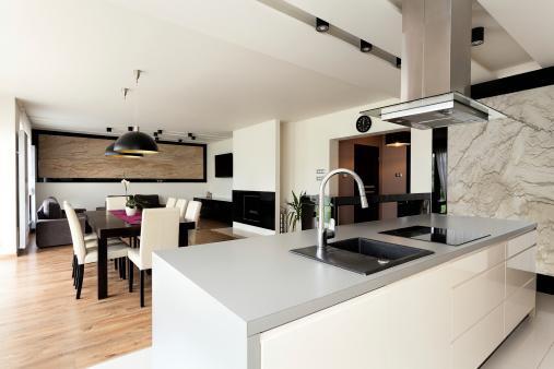 custom-home-exterior-kitchen-1